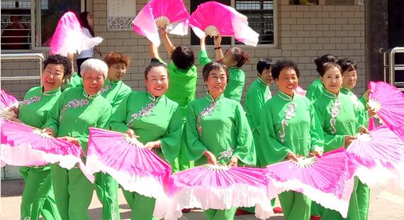 龙泉社区妇联唱响祖国颂歌