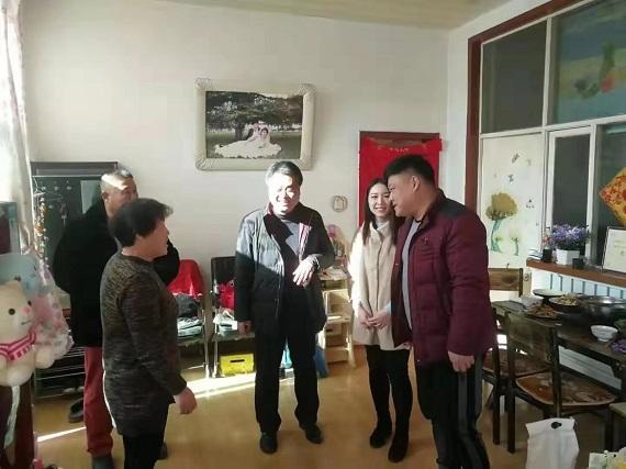 清苑区石桥乡开展春节慰问走访道德模范活动