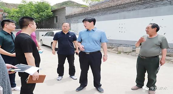 涞水县委书记到龙门乡指导调研脱贫攻坚工作