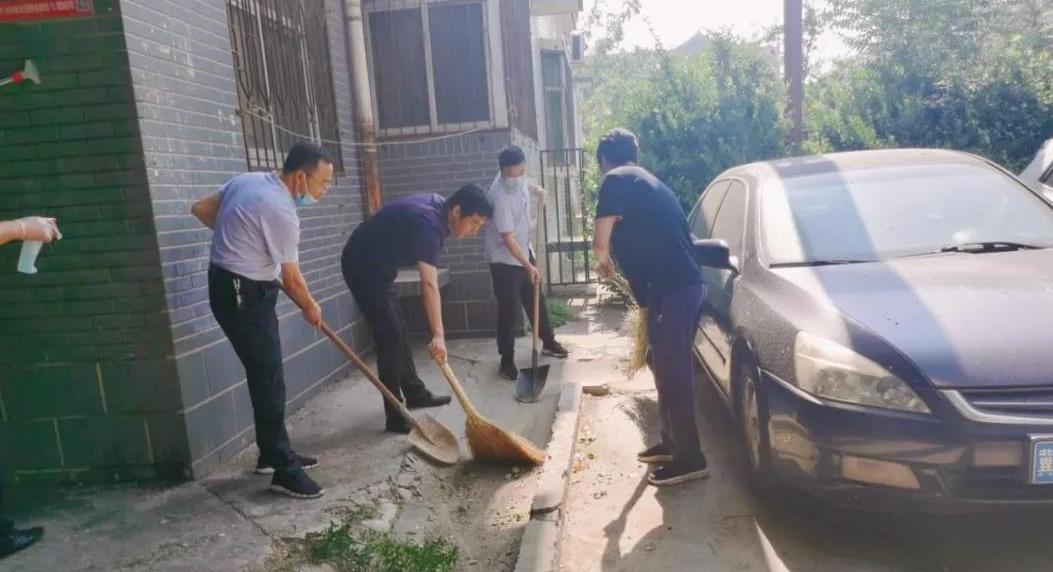 中华路街道持续开展爱国卫生大清扫运动