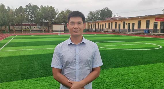 徐水一企业家为家乡学校捐建操场四座 捐赠空调数百台