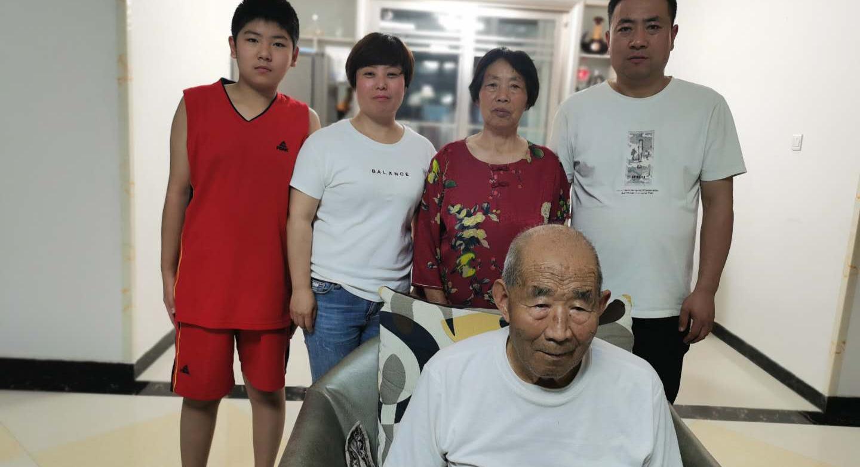冯红娟家庭:乐于奉献、孝老爱亲
