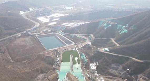 涞源县:国家跳台滑雪训练科研基地一期项目完工 并将于11月底迎来国家跳台滑雪队驻训