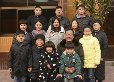 河北省文明家庭——李忠义家庭典型事迹材料