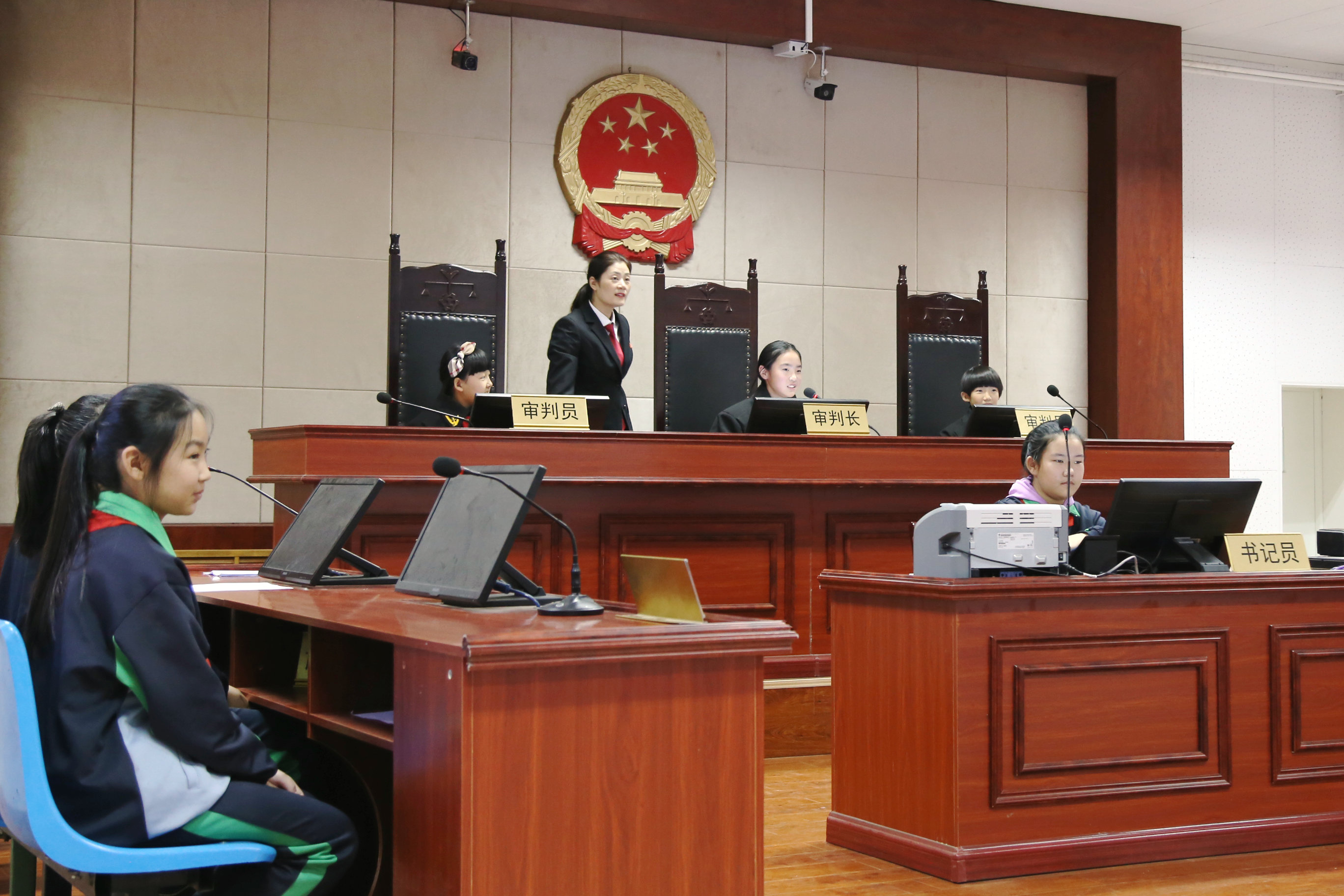 蠡县学生体验模拟法庭 (9).JPG